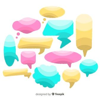 Colección de burbujas de discurso dibujado a mano de diseño plano
