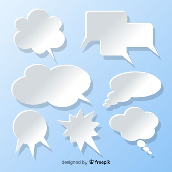 Colección de burbujas de discurso plano en papel estilo fondo azul