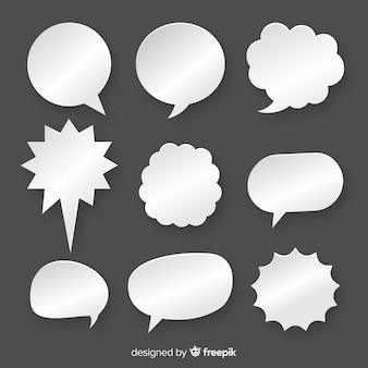 Colección de burbujas de discurso plano en papel estilo fondo negro