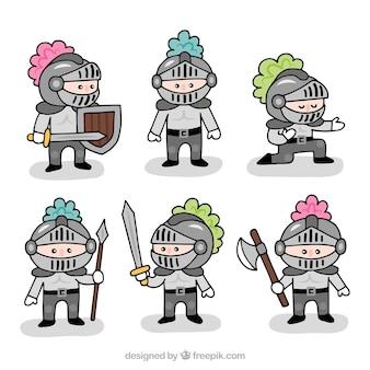 Colección de caballeros de armadura simpáticos dibujados a mano