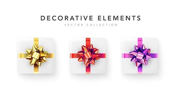 Colección de cajas de regalo realistas, regalos decorativos aislado sobre fondo blanco.