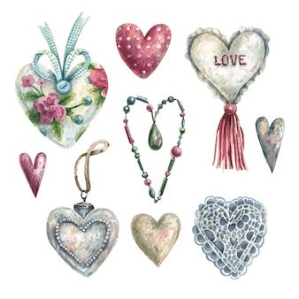 Colección de corazones románticos dibujados a mano en acuarela en estilo vintage.