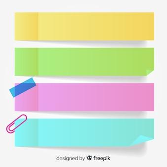Colección de cuatro notas adhesivas coloridas en estilo realista