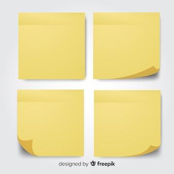 Colección de cuatro notas adhesivas en estilo realista