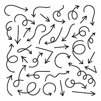 Colección de curvas dibujadas flechas. conjunto de flechas en estilo doodle aislado sobre fondo blanco. elemento para decoración.