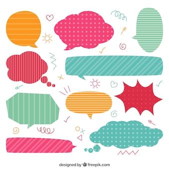 Colección de burbujas de dialogo coloridas
