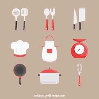 Colección de delantal con otros utensilios de cocina