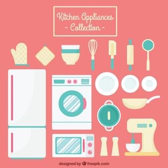Colección de electrodomésticos y herramientas de cocina