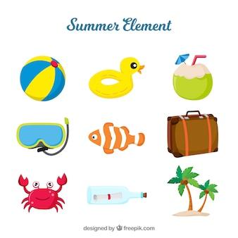 Colección de elementos de playa con ropa y comida