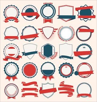 Colección de escudos planos, insignias y etiquetas de estilo retro azul y rojo