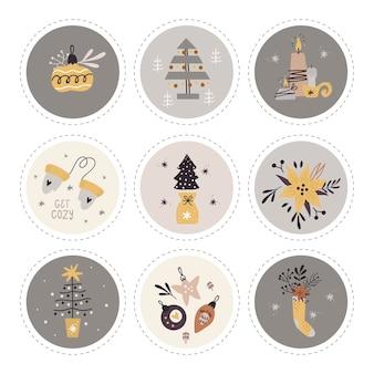 Colección de etiquetas con artículos navideños.
