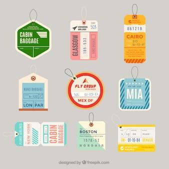 Colección de etiquetas de viaje en diseño plano