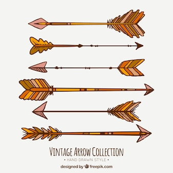 Colección de flechas vintage étnicas dibujadas a mano