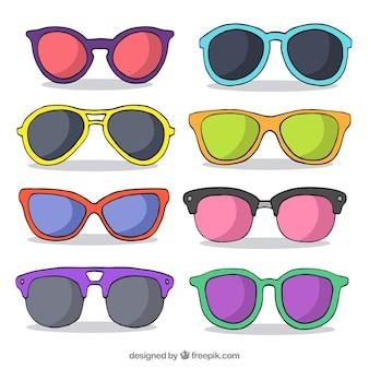 Colección de gafas de sol coloridas y modernas
