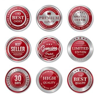 Colección de insignias y etiquetas en metal rojo y plata.