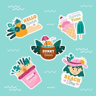 Colección de insignias de verano dibujadas a mano de temporada