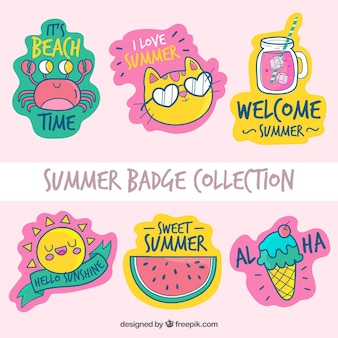 Colección de insignias de verano con elementos de playa