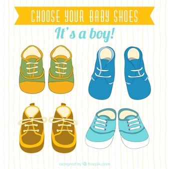 Colección linda de zapatos de bebé