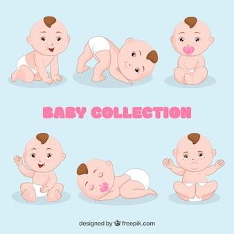 Colección de lindos bebés en diseño plano
