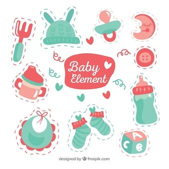 Colección de lindos elementos de bebé en estilo hecho a mano