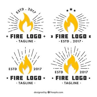 Colección de logos de fuego con diseño plano
