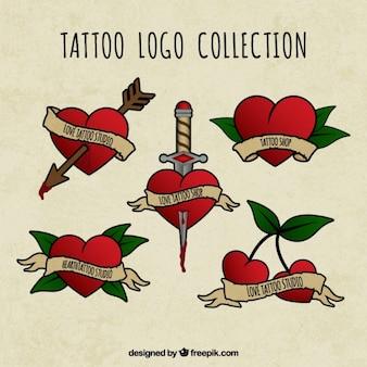 Colección de logos de tatuaje dibujados a mano con corazón