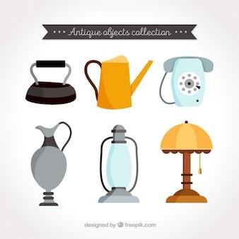 Colección de objetos antiguos en diseño plano