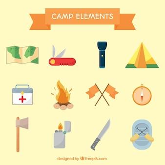 Colección de objetos de campamento