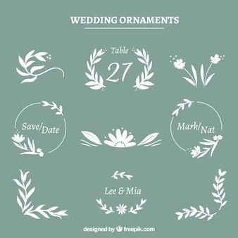 Colección de ornamentos de boda con flores