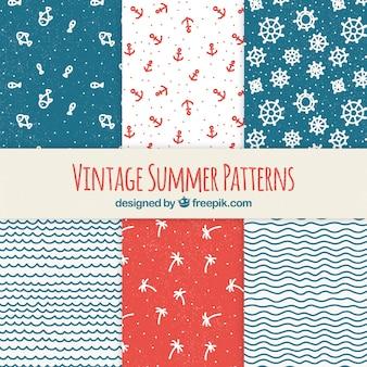 Colección de patrones de verano con elementos de playa