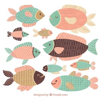 Colección de peces coloridos en estilo hecho a mano