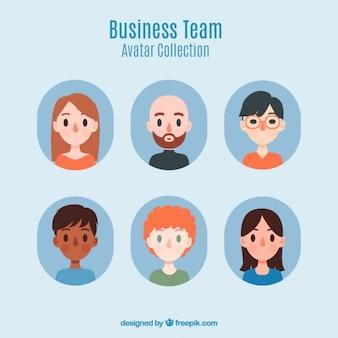 Colección de simpáticos avatares de equipo de negocios