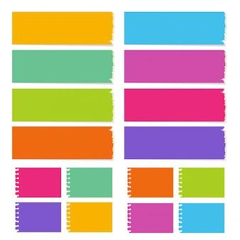 La colección del tablero en blanco con los diferentes colores y formas.