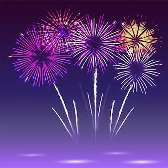 Collage de una variedad de coloridos fuegos artificiales. fuegos artificiales con dibujos festivos que estallan en varias formas brillantes pictogramas.