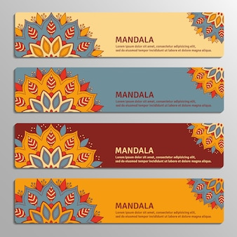 Colorido conjunto de pancartas ornamentales con mandala de flores en colores beige, azul, vinoso, naranja. elementos decorativos vintage.
