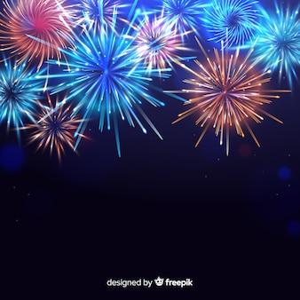 Coloridos fuegos artificiales de año nuevo 2020