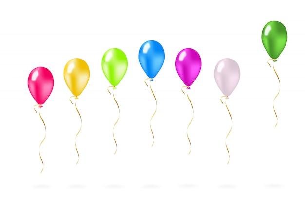 Coloridos globos voladores en una fila