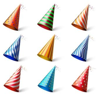 Coloridos sombreros de fiesta. sombreros festivos diferentes realistas