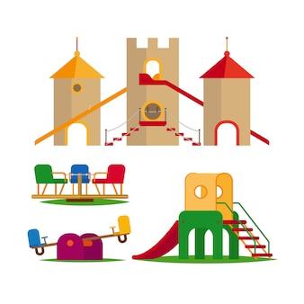 Columpio infantil, toboganes y castillo.