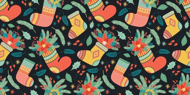 Composición festiva de coloridos calcetines para regalos y plantas.