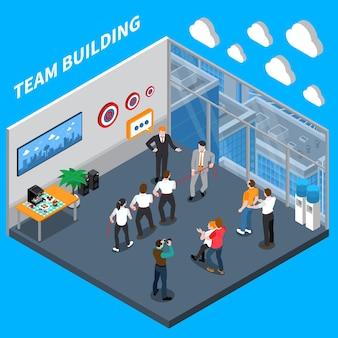 Composición isométrica de coaching ejecutivo de negocios con equipo de alta confianza que desarrolla ejercicios prácticos en capacitación laboral