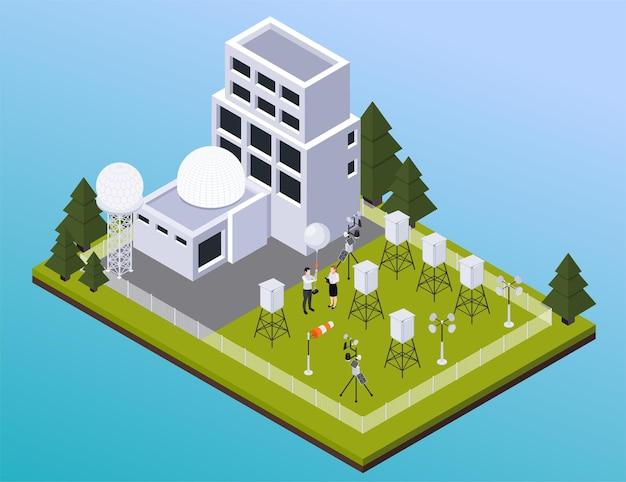 Composición isométrica del pronóstico del tiempo de meteorología con vista del sitio al aire libre con edificios de la estación meteorológica e ilustración de radares