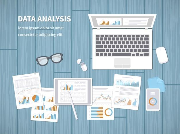 Concepto de análisis de datos. auditoría financiera, análisis seo, estadísticas, estrategia, informes, gestión.