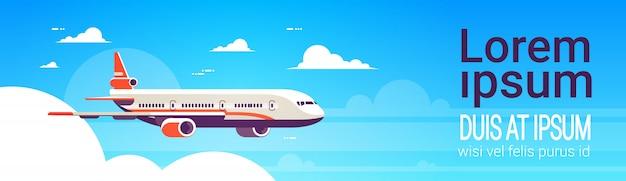 Concepto de banner web con un avión