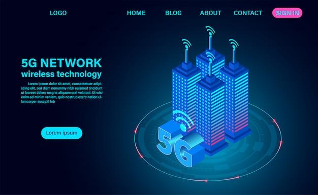 Concepto de ciudad inteligente, edificios con 5g símbolo de internet inalámbrico.