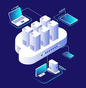 Concepto de computación en la nube. red informática, aplicación de teléfono inteligente en la nube. tecnología de almacenamiento de datos infografía de vector isométrica 3d
