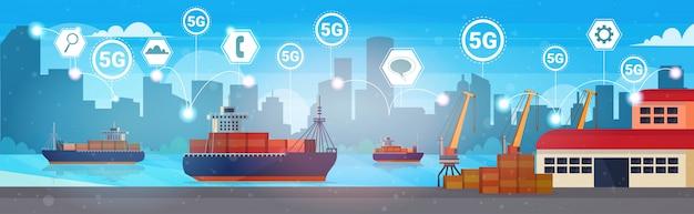 Concepto de conexión de sistemas inalámbricos en línea 5g transporte marítimo de contenedores de carga marítima