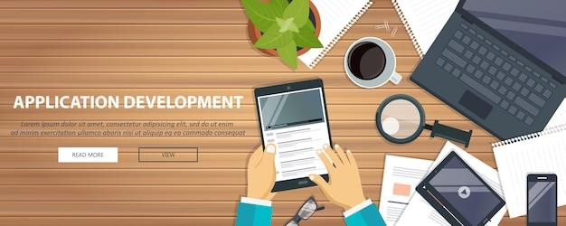 Concepto de desarrollo de aplicaciones, equipos de escritorio.