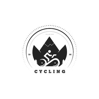 Concepto detallado de ciclismo con logo de bicicleta