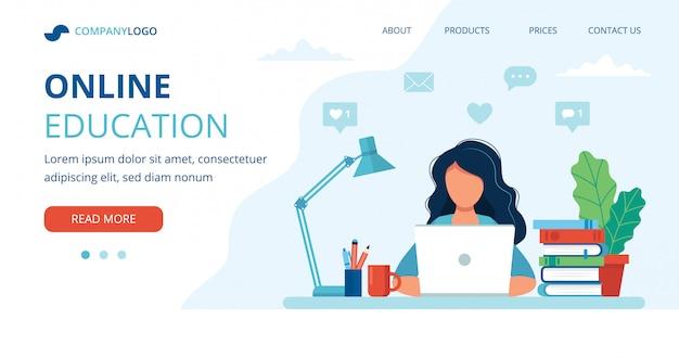 Concepto de educación en línea con una mujer, computadora, lámpara y libros.